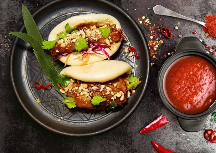 Przepis Bao Bao - azjatycka kanapka z kurczakiem Hoisin House of Asia