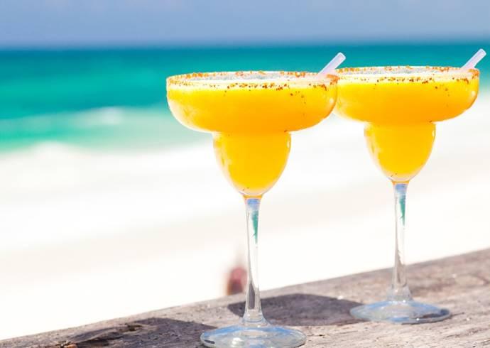 Mango margarita z marakują i sokiem z limonki