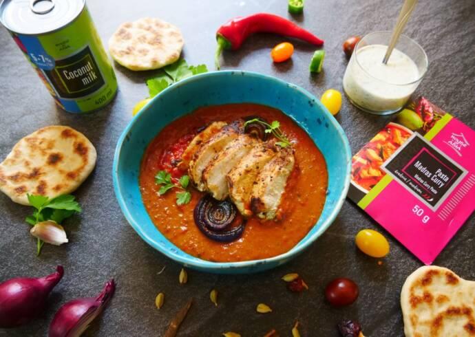 Madras Curry z kurczakiem i domowa pitą Chef Lorek House of Asia