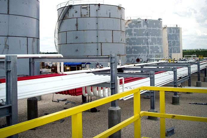 Prefab pipe rack in a tank farm