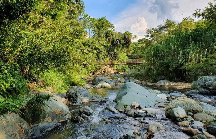 Río Hato y puente de hamaca