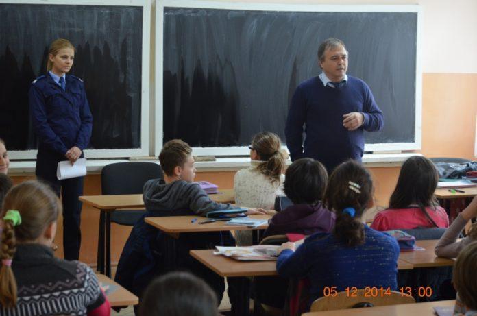 jandarmi-scoala