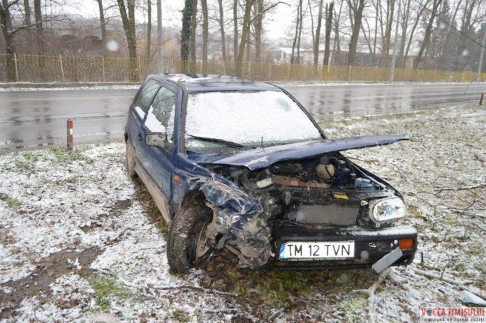Volkswagen-Golf-accidentat03