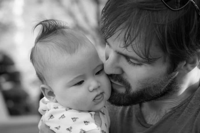 Боюсь оставить мужа одним с ребёнком