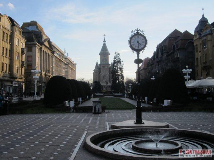 Timisoara-Catedrala-Mitropolitana-ceasul-Piata-Victoriei