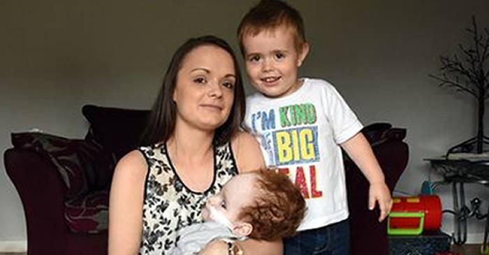Un caz care a șocat medicii - Aaron Murray, băiatul care trăiește fără creier FEATURD_compressed