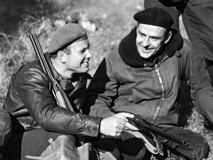 Gagarin si Komarov