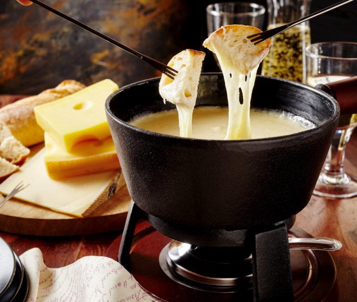 Où manger une vraie fondue savoyarde à Annecy ? J'ai la réponse !