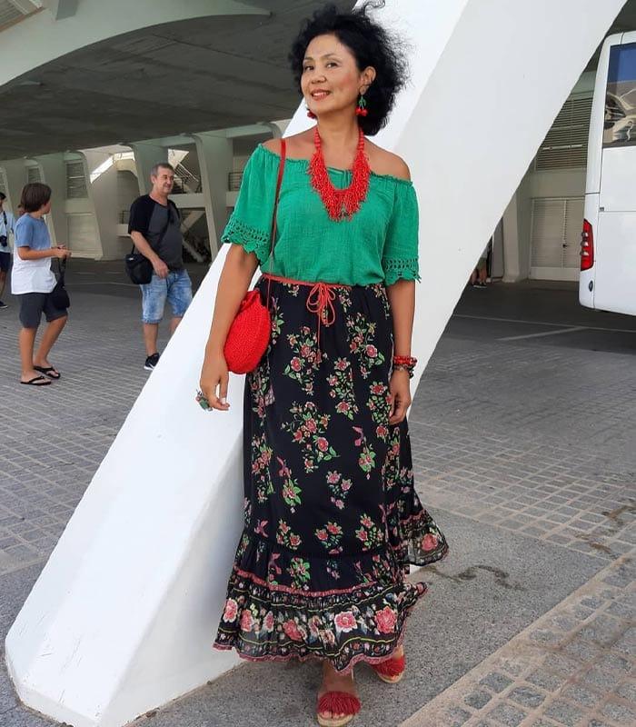 boho look inspiration:off shoulder top, maxi skirt, statement necklace | 40plusstyle.com