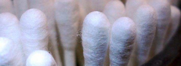 Plastic cotton buds
