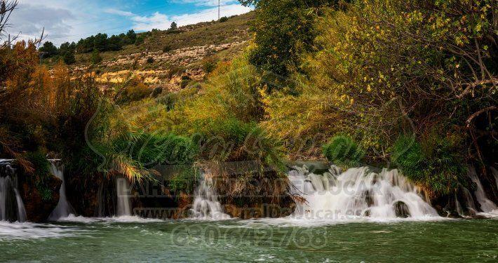Cascada en el río Júcar en Jorquera