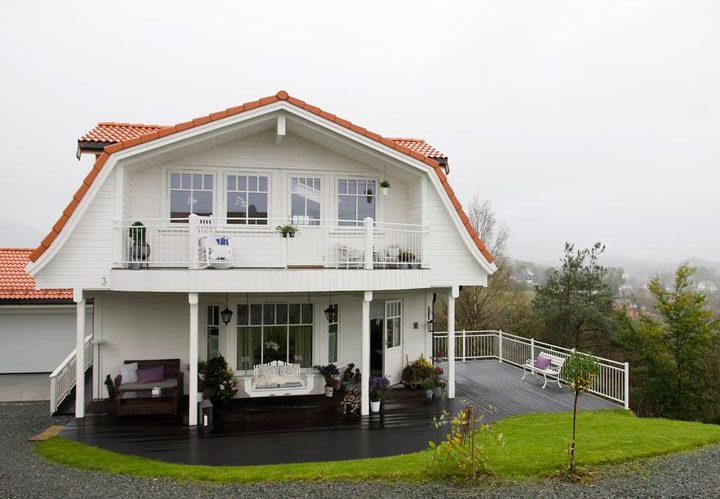Casa noruega luminosa y cálida