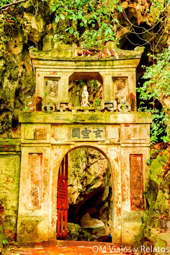 Doors-Vietnam-Marble-Mountains