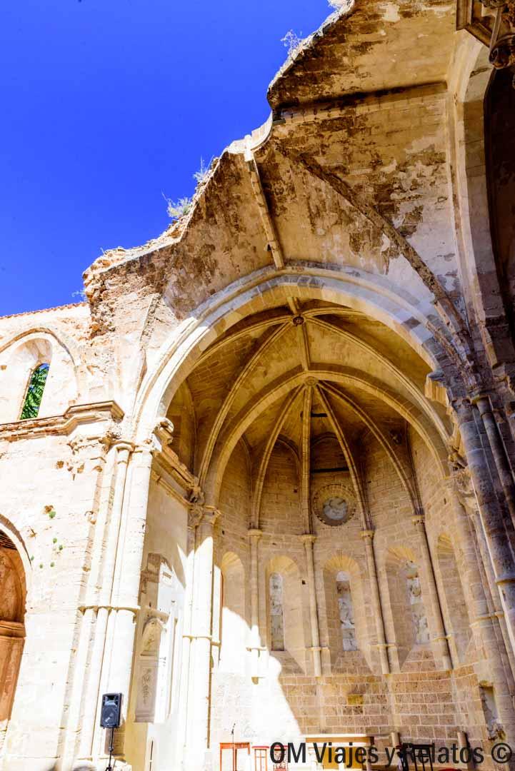Abadía-destruida-Monasterio-Piedra