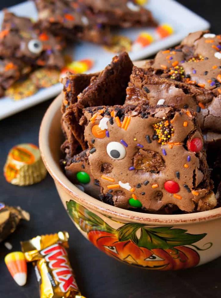 Halloween Brownie Bark-7