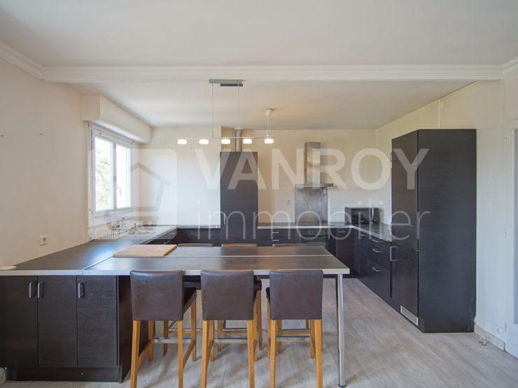 Exclusivité / Bordeaux – Saint-Augustin / Spacieux T4 de 94 m² en dernier étage