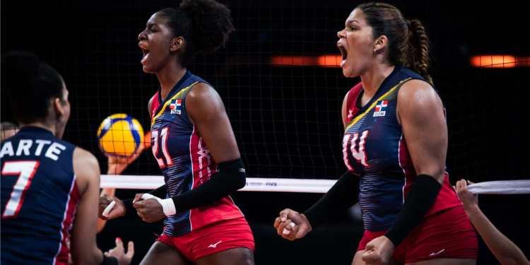 Reinas del Caribe venciendo a Serbia