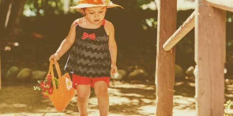 traveling toddler