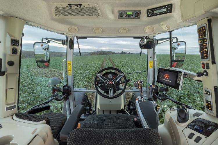 MF 5S szériás traktor