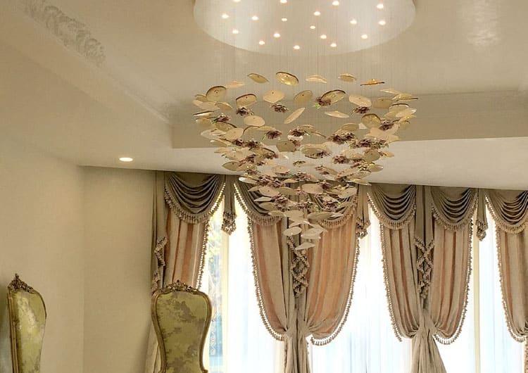 particolare-di-design-lampadari-lusso-artigianali-artistici-italiani-design-classici-eleganti-personalizzati-decorativi-illuminazione-vetro-murano