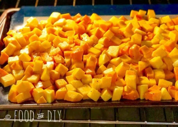 Roasted Butternut Squash is so CREAMY and BUTTERY and the PERFECT taste of FALL! | Autumn | Fall | Recipes | Side Dish