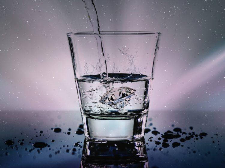 Ile wody dziennie powinny pić dzieci?