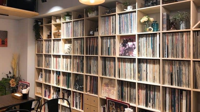 壁一面にレコード