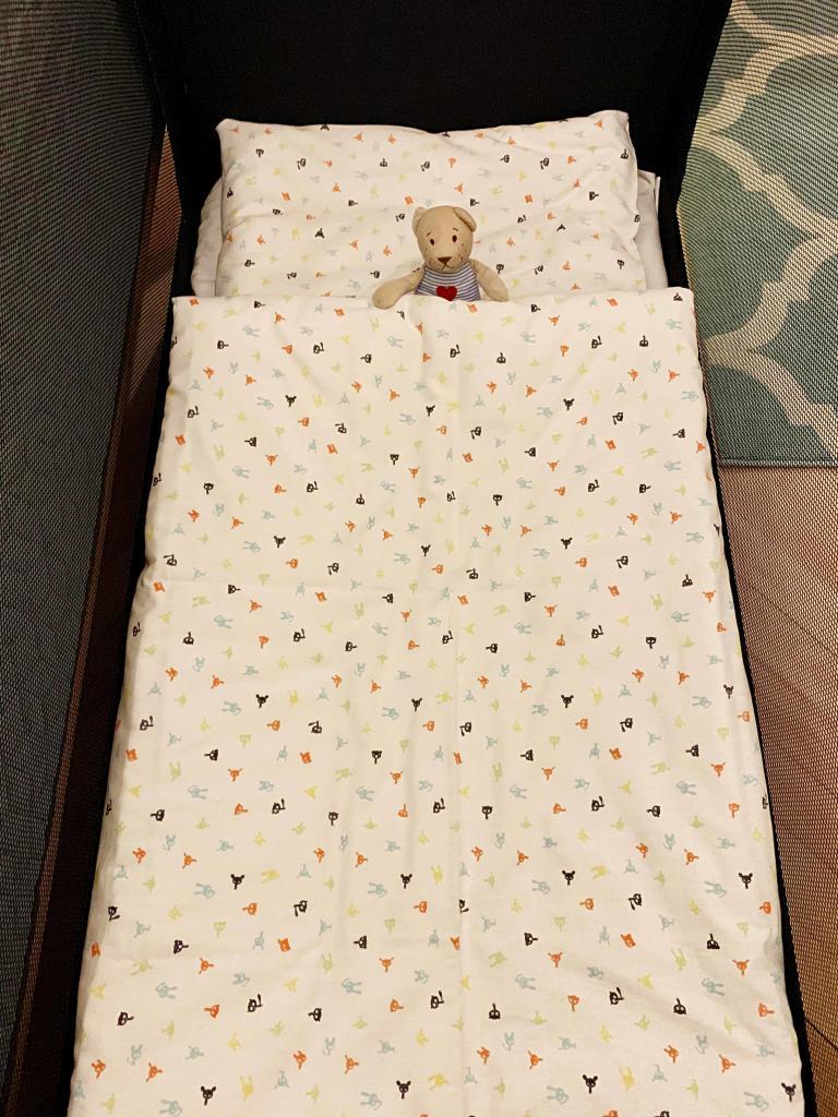 Marienbad Apartment Yard View baby bed
