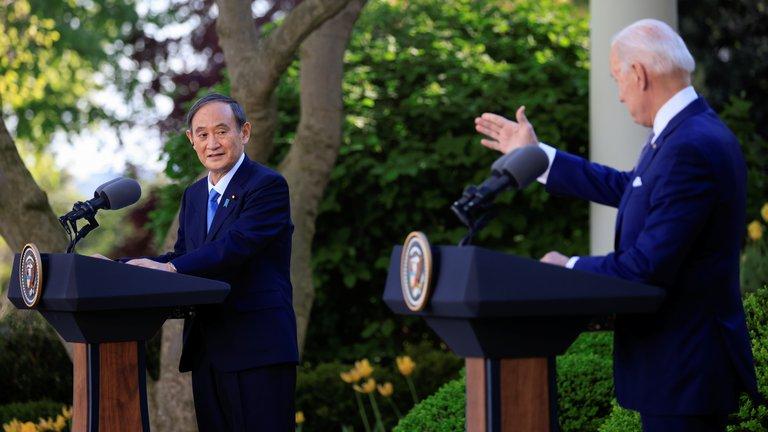 Biden y premier japonés Yoshihide Suga