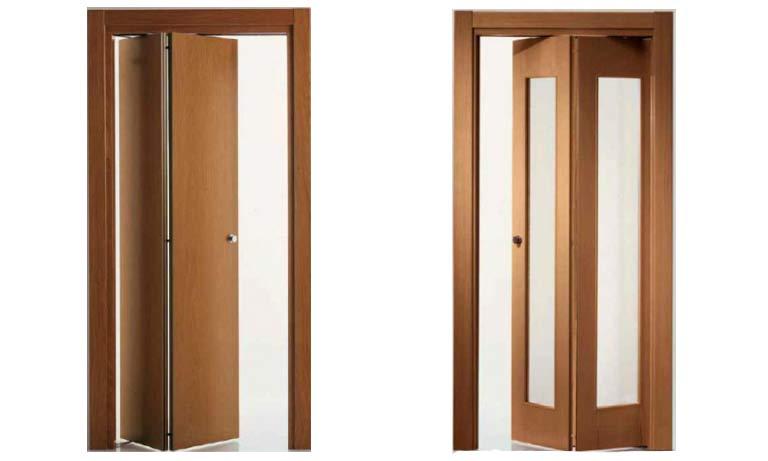 Полустеклянная и глухая складная дверь