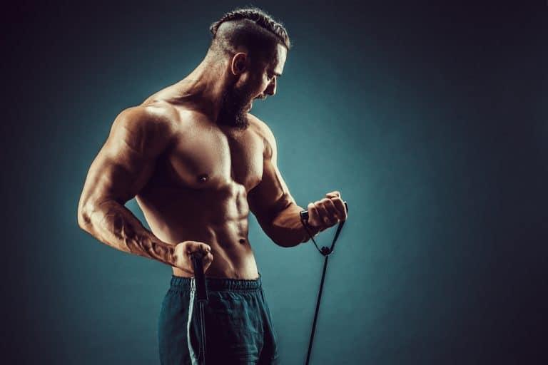 Mejores ejercicios para bíceps con elástico de entrenamiento