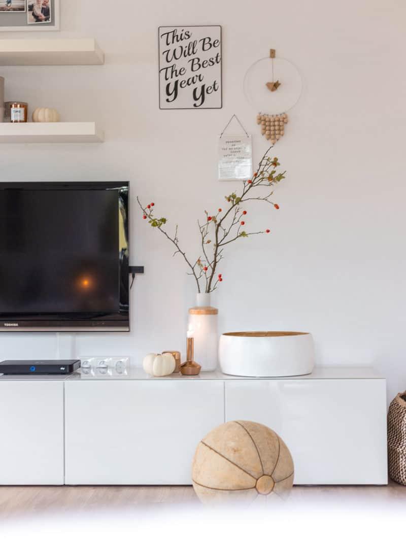 Moderne, schliche und natürliche Herbstdeko für dein Wohnzimmer