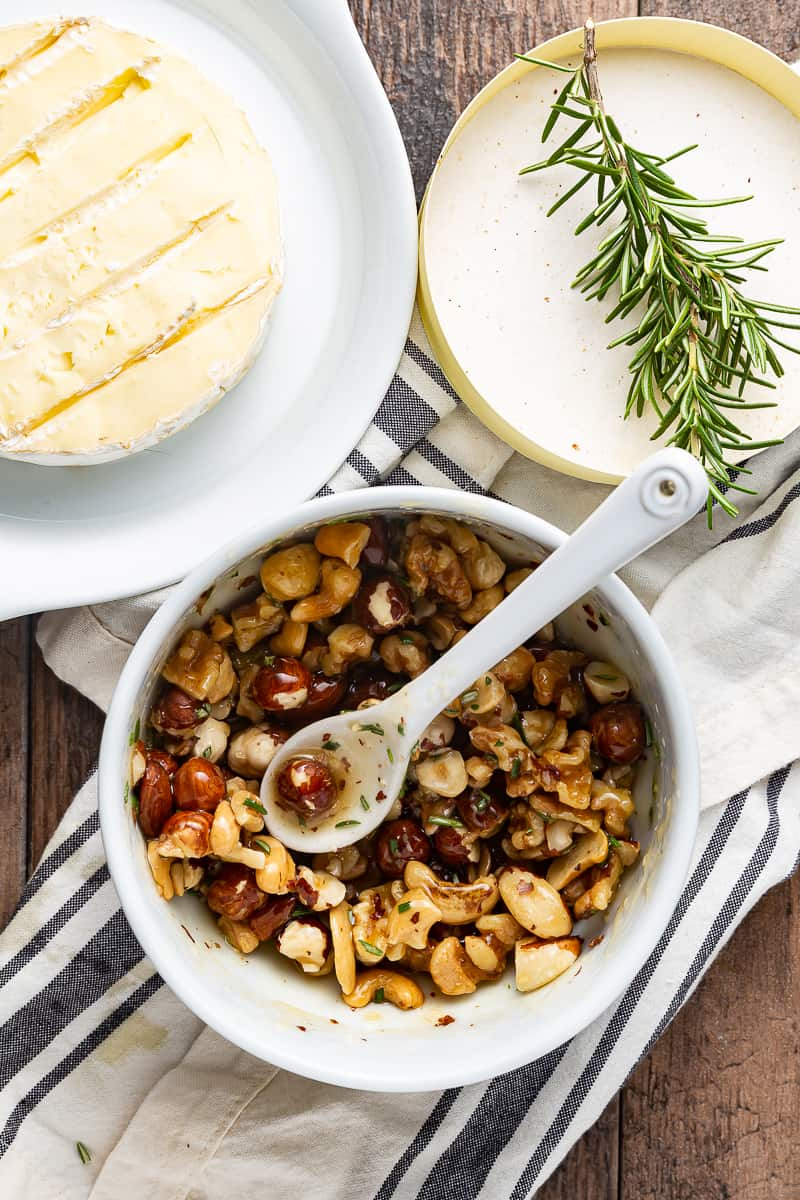 baked brie topping