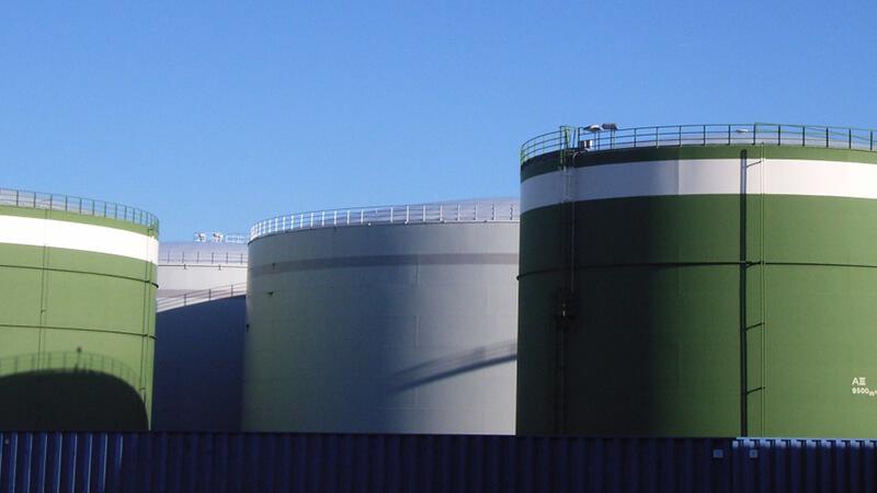 Teilaufnahme eines Tanklagers