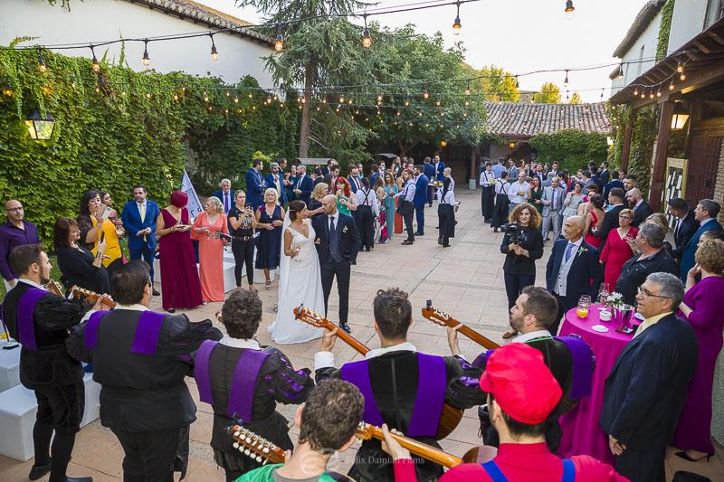 la tuna de alcala en una boda en la vega del henares