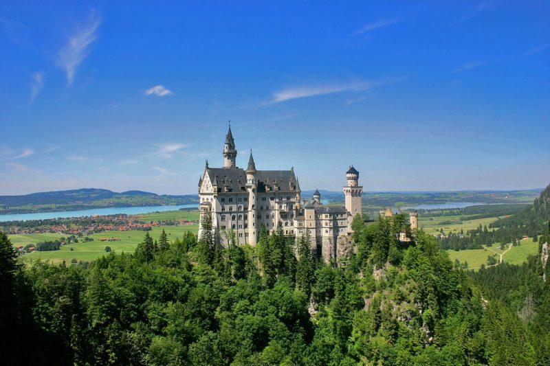 castle-51731_1280