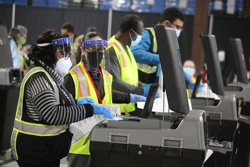 Junta de elecciones de Carolina del Norte certifica casi todos los resultados