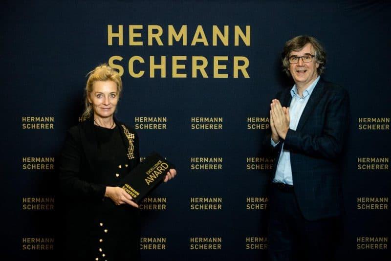 Beatrice Müller, Goldschmiedemeisterin und Schmuckdesignerin, holt sich den Weltmeistertitel beim internationalen Speaker Slam in Berlin 2020