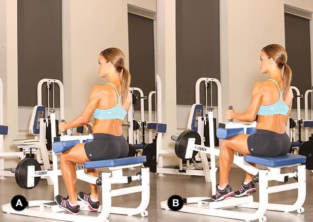Подъем носков в тренажере сидя для тренировки икроножных мышц
