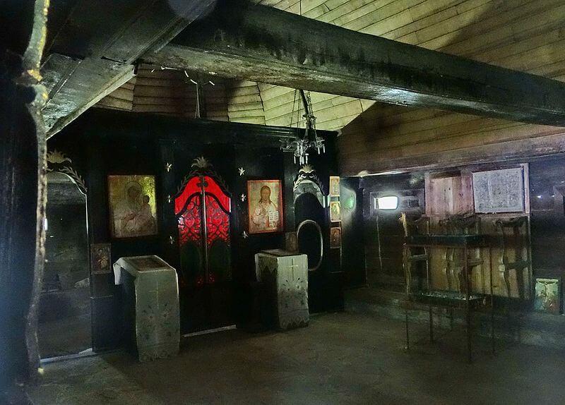 unutrsnjost crkve u Dubu