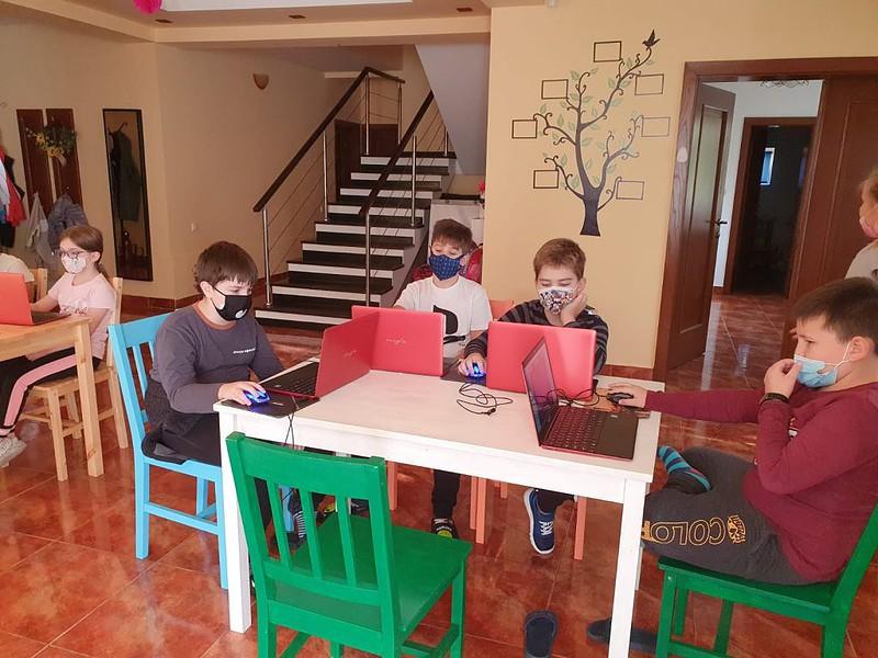 curs-programare-copii-cu-iotesa-kids-la-young-development-hub-dumbravita-spatiul-cosmic4