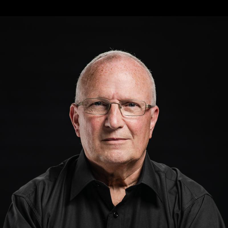 Alan-Bartlett-team-photo