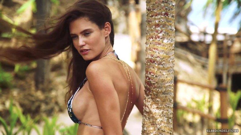 Sports_Illustrated_Bianca_Balti_Sexy_&_Topless_2017_051