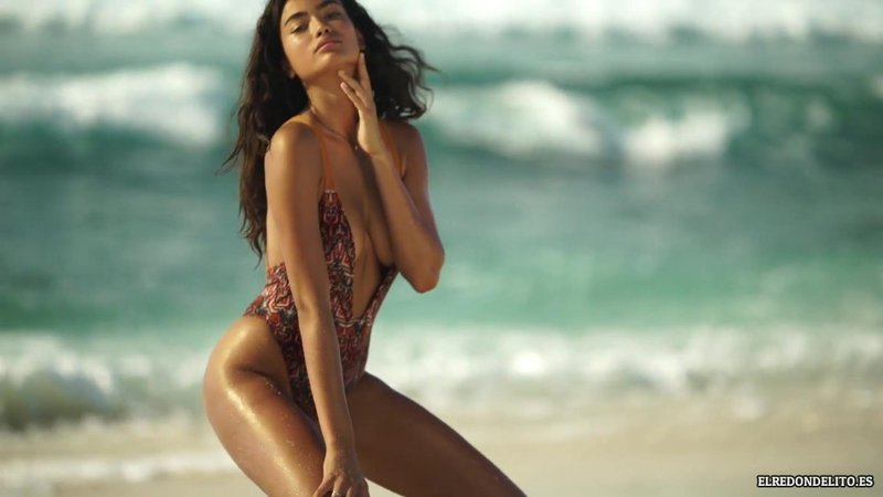 Sports_Illustrated_Kelly_Gale_Sexy_2017_059
