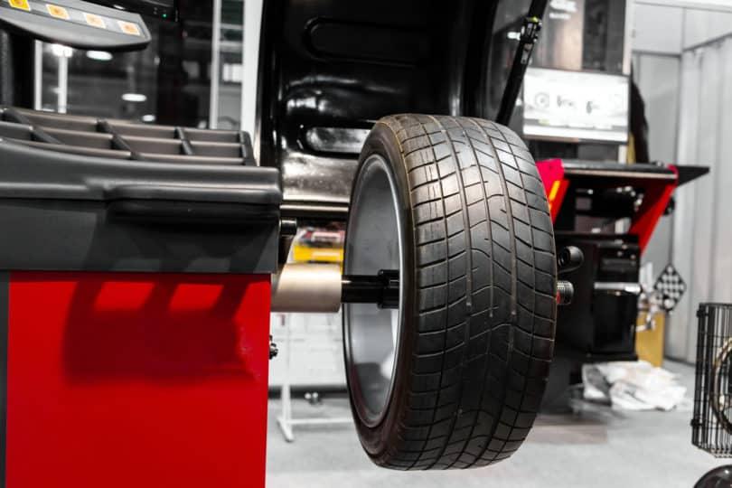 wheel balancing vs wheel alignment