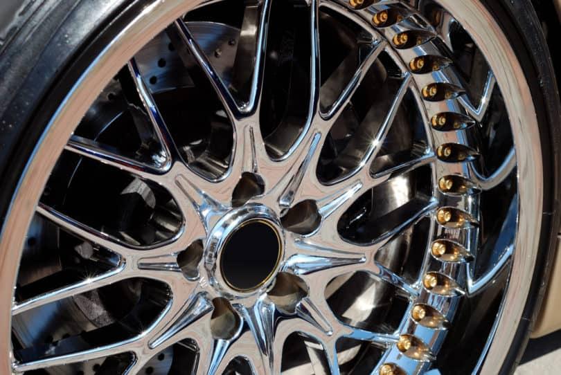 clean chrome wheels