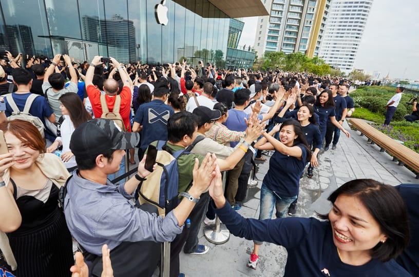 Apple otevřel další maloobchodní pobočku v Bangkoku