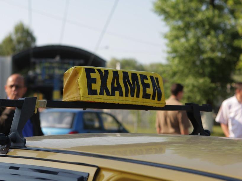 Examenul pentru permisul auto....Drive School