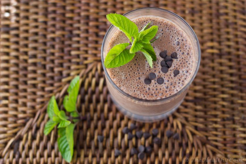 Ένα σοκολατένιο smoothie με πολύ γεύση και λίγες θερμίδες - A chocolate smoothie full of flavor, but without many calories and fat