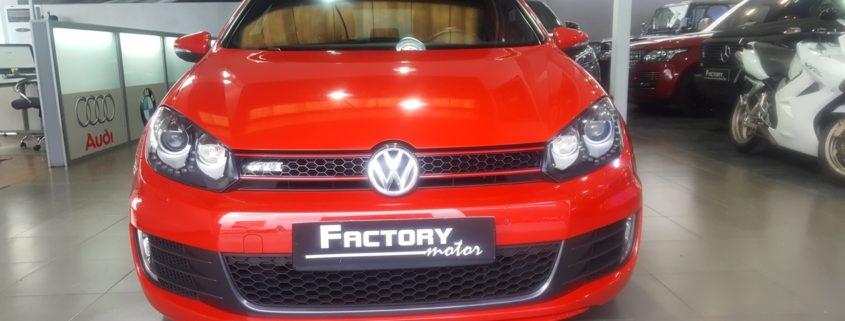 Frontal Volkswagen Golf GTI Adidas